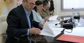 Sindicatos y ayuntamientos impulsan un pacto por la estabilidad laboral en las contratas públicas locales
