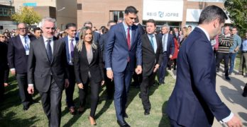 """Pedro Sánchez afirma en Toledo que en España """"no habrá democracia si no hay descentralización"""""""