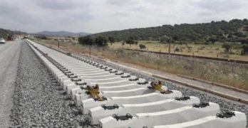 Piden a García-Page que negocie que el AVE Madrid-Extremadura tenga parada en Toledo