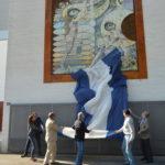 La fachada del recinto Talavera Ferial estrena mural de cerámica de Antonio Cerro