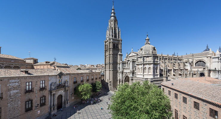 La Catedral de Toledo inspeccionará las torres de la fachada para evitar nuevos desprendimientos