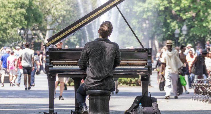 Los pianos vuelven a las calles de Toledo este domingo con BSO de películas como protagonistas