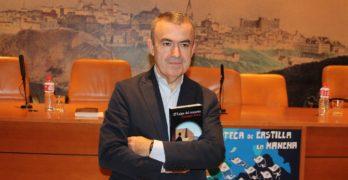 """Lorenzo Silva: """"La novela negra es una forma de viajar por el mundo, y no de manera superficial"""""""