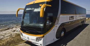 Un acuerdo entre el Ministerio y Monbus evita la supresión de varias líneas de autobús prevista para este sábado