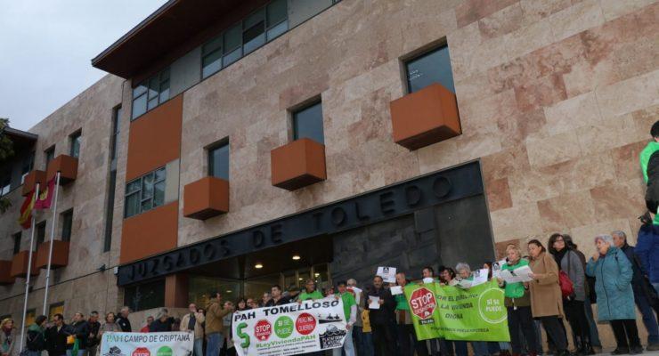 """Los toledanos salen a la calle para acusar al Supremo de plegarse """"a los intereses de la banca"""""""