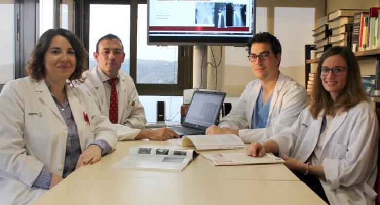 Premian a cirujanos de Toledo por una novedosa implantación de prótesis de muñeca