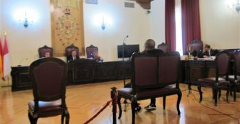 El acusado de asestar un navajazo a otro en las inmediaciones de la discoteca Oki-Oki en Toledo reconoce los hechos