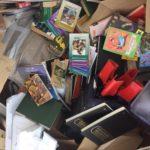 """Los libros trasladados al punto limpio de Illescas estaban en """"mal estado"""" u """"obsoletos"""" para donarlos a la biblioteca de Cebolla"""