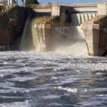 """Denuncian la aparición de """"gran cantidad"""" de espumas en el Tajo debajo de la presa de Castrejón"""