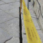Rompen con una radial el suelo del puente de Alcántara en las obras de iluminación