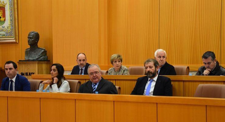 El PSOE denuncia la relación de un concejal de Talavera con la empresa suministradora de cloro para las piscinas