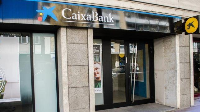 """Rechazo a las """"traumáticas medidas"""" y al despido de once trabajadores de Caixabank en Toledo"""