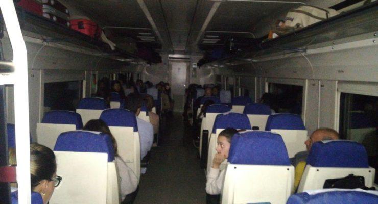 El tren que pasa por Talavera arranca el año dejando tirados a 162 pasajeros a oscuras y sin calefacción
