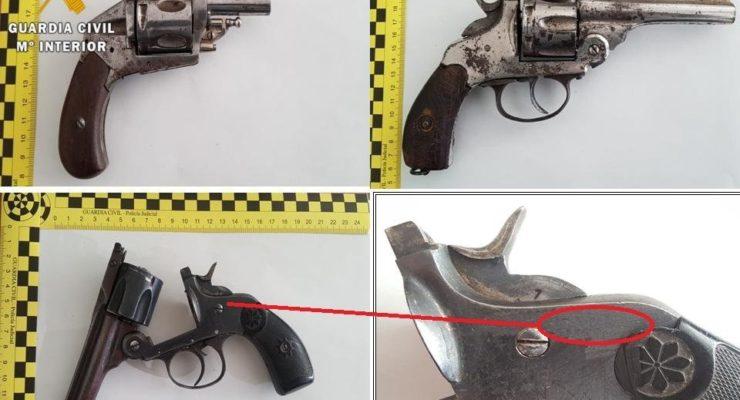 Detenido un hombre que ocultaba tres armas de fuego en su vehículo en Numancia de la Sagra