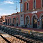 """Frecuencias, instalaciones o reducción de plantilla: CCOO critica """"el abandono"""" del ferrocarril a su paso por Talavera"""
