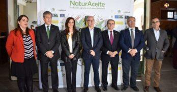 """Administraciones públicas y agricultores """"deben implicarse"""" en conservar la biodiversidad en el olivar"""