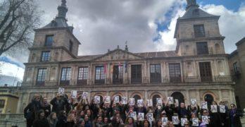 FOTOS | Así ha arrancado el 8M en Toledo con la lectura de manifiestos en la plaza del Ayuntamiento