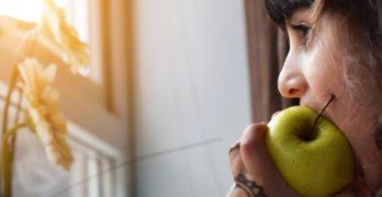 """""""No hace falta inventar dietas nuevas"""" para combatir el Alzheimer o la ELA"""