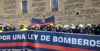 Los bomberos de Toledo se unen a la manifestación para pedir una Ley de Coordinación regional