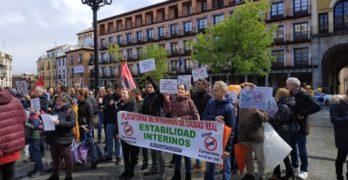 """Los interinos acusan a las administraciones de """"fraude de ley"""" y reclaman """"estabilidad"""" laboral"""
