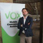 """Ex dirigentes de Vox acusan a Abascal de convertir el partido """"en un chiringuito"""" y piden el voto para PP"""