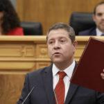 García-Page presume de mayoría absoluta en un discurso de investidura con pocos anuncios y autocrítica