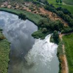 A vista de dron: así entran en el Tajo las aguas contaminadas del río Jarama