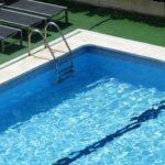 La piscina de La Alameda reabre sus puertas tras la caída de un árbol el fin de semana