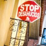 """Las familias que continúan en el 'Edificio Dignidad' de Talavera temen un inminente desahucio: """"No vemos solución"""""""