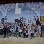 Buscan solución para proteger y reparar el mural de 'Las Mondas' tras la caída de seis azulejos