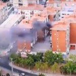Impactante incendio en una vivienda de Toledo que se pudo ver durante la retransmisión de la Vuelta Ciclista