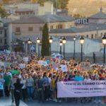 """""""¡Frente al cambio climático, cambiemos el modelo!"""": amianto, el Tajo y Safont en la manifestación por el clima en Toledo"""
