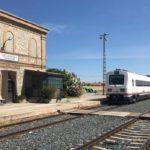 La Plataforma por el tren de La Sagra reclama que la estación Villaluenga-Yuncler se habilite a pasajeros