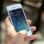 Detenida una mujer tras quedarse con un teléfono móvil que una pasajera olvidó en el autobús
