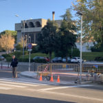 Se inician las obras para instalar los semáforos que regularán dos pasos de peatones en el Polígono