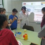 Estudiantes de toda la provincia reciben la visita de científicos y científicas