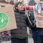 """""""Menos polución, más educación"""": Fridays For Future vuelve a reivindicar en Toledo la defensa del planeta"""