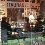 El código QR para entrar en bares y restaurantes no será obligatorio hasta el 12 de marzo
