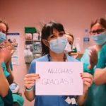 El equipo de Urgencias de Pediatría del Virgen de la Salud devuelve el aplauso a la ciudadanía