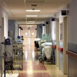 Desciende un 25% el número de ingresados por COVID-19 y 26 pacientes han salido de las unidades de críticos