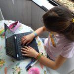 La Junta busca dar respuesta a familias con carencias tecnológicas para garantizar la educación