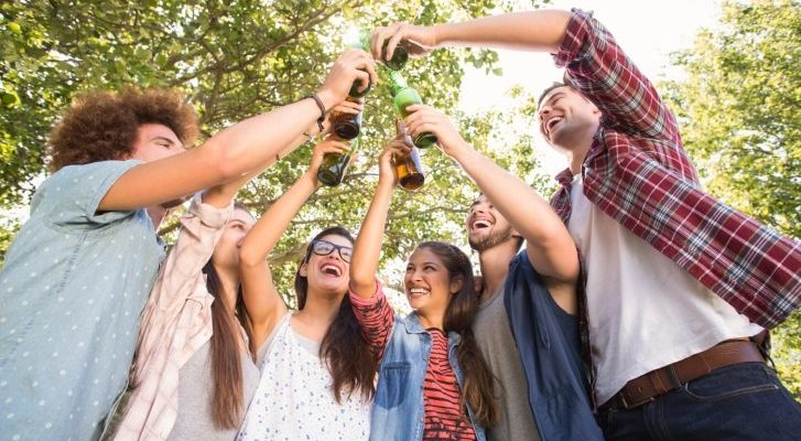 botellon alcohol fiesta jovenes
