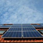 Estas son las ayudas para apostar por energías renovables en la región, donde un 8% de hogares pasará frío este invierno