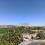 Desalojan a diez trabajadores por el incendio de una fábrica en Numancia de la Sagra que se ve desde Toledo