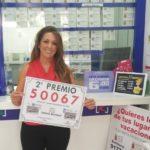 La administración de Toledo 'La Rama de la Suerte' reparte el segundo premio de la Lotería Nacional