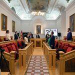 El Pleno del Ayuntamiento de Toledo homenajea a las mujeres asesinadas por sus parejas o exparejas