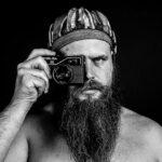 La exposición de fotografías '100 retratos' llega a las Cuevas de Hércules de Toledo