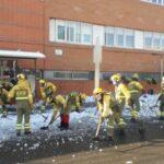 """La versatilidad de los trabajadores contra el fuego para luchar ante la pandemia, la nieve o el hielo: """"Nunca había visto algo así"""""""