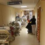 """CSIF alerta de que hay """"más de 90 pacientes"""" a la espera de ingreso hospitalario en el Virgen de la Salud"""
