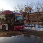 """Toledo recupera dos líneas más de autobús y """"poco a poco"""" la recogida de basuras en toda la ciudad"""